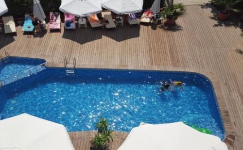 Лятна Почивка в <em>Несебър</em> на 100 Метра от Плажа - Хотел Кантилена *** ! Нощувка със Закуска и Вечеря + Открит Басейн с Чадър и Шезлонг на Неустоими Цени!!!