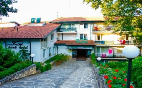 Лятна Почивка на Страхотни Цени в Хотел Кини Парк*** Златни Пясъци! 1 Нощувка на База All Inclusive + Външен Басейн на Цени от 46.20 лв!
