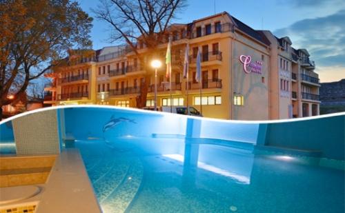 Уикенд в <em>Хисаря</em>! 2 Нощувки със Закуски за Двама + Минерален Басейн в Хотел си Комфорт