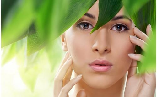 Лифтинг Масаж на Лице, Шия и Деколте + Лимфодренажен Масаж + Маска от Студио за Красота Bellissima Donna