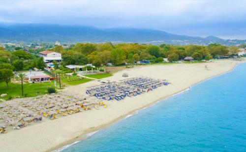 Лято на Брега на Морето в Олимпийската Ривиера! Нощувка със Закуска и Вечеря + Басейн в Хотел Sun Beach Platamon, Пиера, Гърция!
