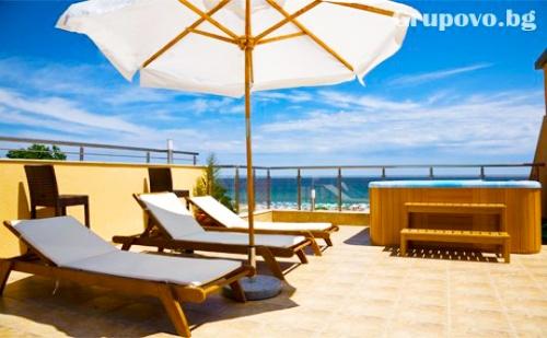 Нощувка със Закуска на 20 М. от Плажа в Хотел Зора, <em>Лозенец</em> през Юни