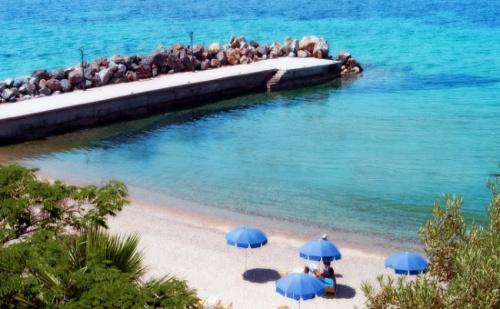 Морска Почивка в  Началото на Септември в Loutra Beach Hotel 3* на Касандра, Халкидики - 7 Нощувки със Закуски и Вечери