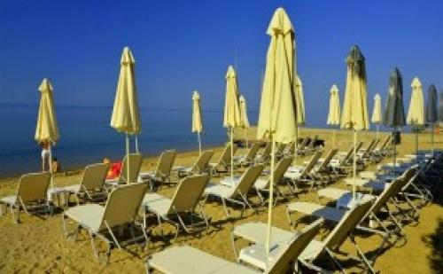 Last Minute през Юни All Inclusive на 20м. от пясъчен плаж в  хотел Golden Beach 3* – Халкидики 5 нощувки