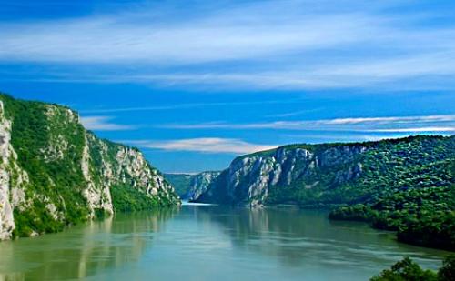 Екскурзия до Придунавска Сърбия! Нощувка със Закуска и Вечеря + Транспорт от Еко Тур Къмпани