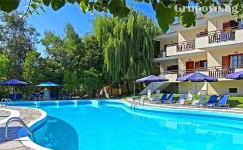 3- Звездна Почивка на 300 Метра от Два Пясъчни Плажа в Лименас, O.<em>Тасос</em>- Нощувка със Закуска + Басейн в Хотел Macedon***