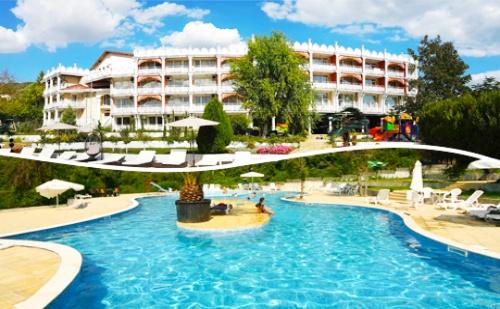 Цяло Лято Лукс и Спа в <em>Балчик</em> на Топ Цени! Нощувка със Закуска + Басейн в Hotel Elit Palace and Spa