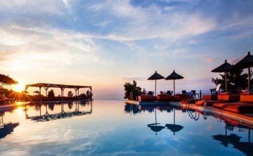 Мини Почивка през Септември в Лукзозния Alia Palace Luxury Hotel and Villas 5* - 3 Нощувки със Закуски и Вечери на Изгодна Цена!