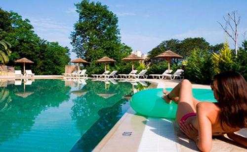 През Септември: 7 нощувки със закуски и вечери в Ariti Grand Hotel 4*, о.Корфу, Гърция!