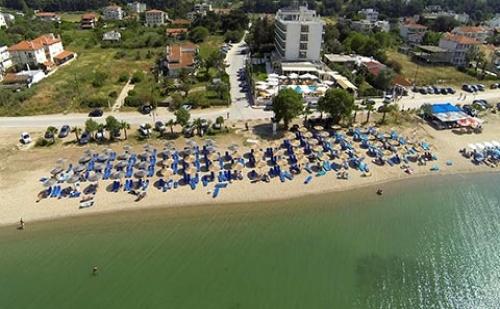 През Септември: 3 Нощувки със Закуски и Вечери в Хотел Santa Beach 4*, Агия Триада, Гърция! Дете до 11.99Г. - Безплатно!