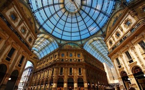 Екскурзия до <em>Милано</em>! 4 Дни, 3 Нощувки със Закуски, Самолетен Билет и Туристическа Програма в Италия!