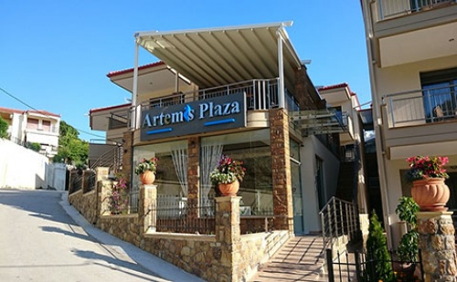 3 Нощувки със Закуски в Хотел Artemis Plaza 3*, <em>Халкидики</em>, Гърция през Септември!