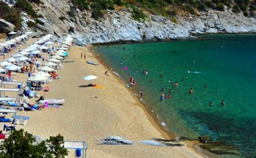 През Септември: 3 нощувки, Ultra All Inclusive в Bomo Club Tosca Beach 4*, Кавала, Гърция!