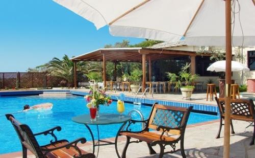 През Септември: 5 нощувки със закуски и вечери или All Inclusive в хотел Aeria 3*, о.Тасос, Гърция!