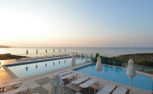 През Септември: 3 Нощувки със Закуски и Вечери в Aeolis Hotel 4*, о.тасос, Гърция! Две Деца до 11.99Г. - Безплатно!