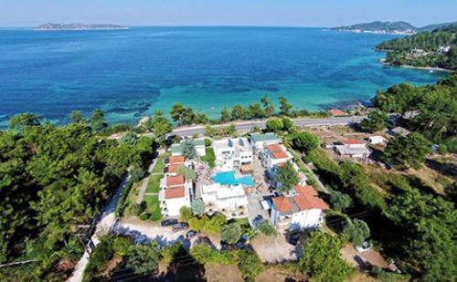 През Септември: 3 нощувки със закуски и вечери в Esperides Sofras Hotel 3*, о.Тасос, Гърция!