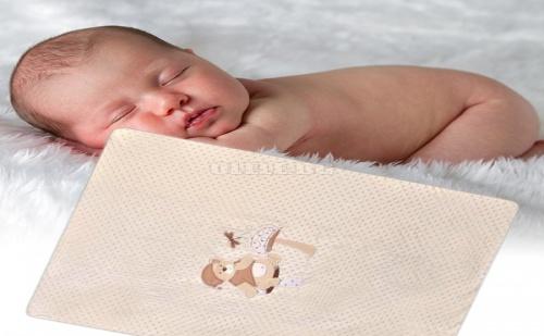 Олекотена Бебешка Завивка с Мече