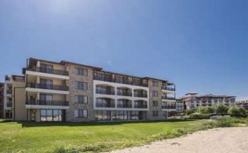 Изгодна Оферта за Нов Хотел на Първа Линия, Нощувка със Закуска от 09.09 в Оазис Дел Сол, <em>Лозенец</em>