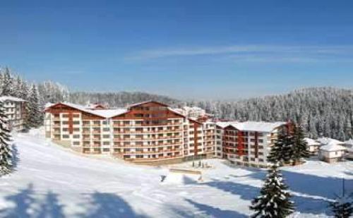 2019-Та в Модерни Апартаменти и Басейн, 3 Дни за Двама Полупансион в Апарт-Хотел Форест Нук