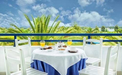 Ранни Резервации: 6 Нощувки, All Inclusive в Хотел Port Marina 3*, <em>Халкидики</em>, Гърция през Май и Юни!