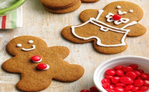 Комплект 8 Броя Коледни Формички за Сладки