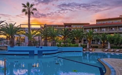 Ранни Резервации: 4 Нощувки със Закуски и Вечери в Lagomandra Hotel & Spa 4*, Халкидики, Гърция през Май! Дете до 14.99Г. - Безплатно!