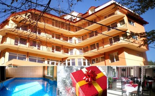 Коледа в Спа Хотел Костенец. 2 или 3 Нощувки със Закуски и 2 Празнични Вечери + Басейн и Спа с Минерална Вода.