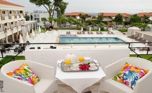 Ранни Резервации: 5 Нощувки със Закуски и Вечери в Хотел Hanioti Melathron 4*, <em>Халкидики</em>, Гърция през Юни и Юли!