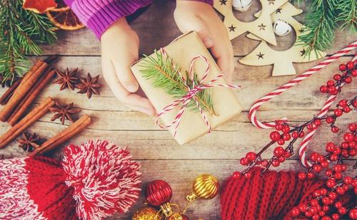 Коледна Spa Почивка в Родопите. 2 Нощувки, 2 Закуски и Коледна Вечеря + Спа Пакет в Комплекс Флора, с. Паталеница.