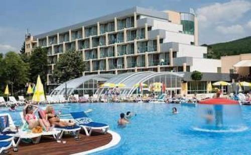 All Inclusive с Аквапарк, Чадър и Шезлонг на Плажа в Албена от 02.07 до 24.08 в Ралица Супериор