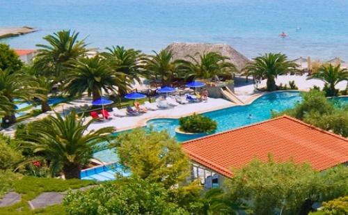 Ранни Резервации: 7 Нощувки със Закуски и Вечери в Хотел Mendi 4*, <em>Халкидики</em>, Гърция през Юли и Август!