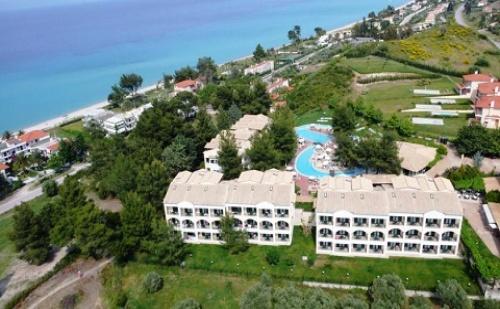 Ранни Резервации: 3 Нощувки със Закуски и Вечери в Хотел Lesse 4*, <em>Халкидики</em>, Гърция през Май и Юни!