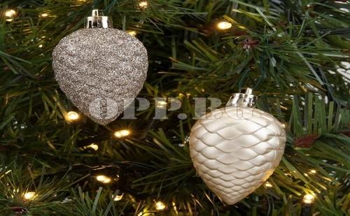 Комплект от 12 Броя Златни Коледни Шишарки за Декорация