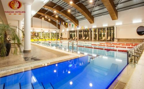 Почивка в Каменград Хотел и Спа гр.панагюрище! Нощувка със Закуска + Spa Inclusive Пакет с Минерална Вода!