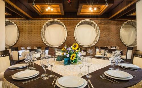 Нова Година в Старопрестолната Столица! 1, 2 или 3 Нощувки със Закуски и Празнична Вечеря в Интерхотел <em>Велико Търново</em>!