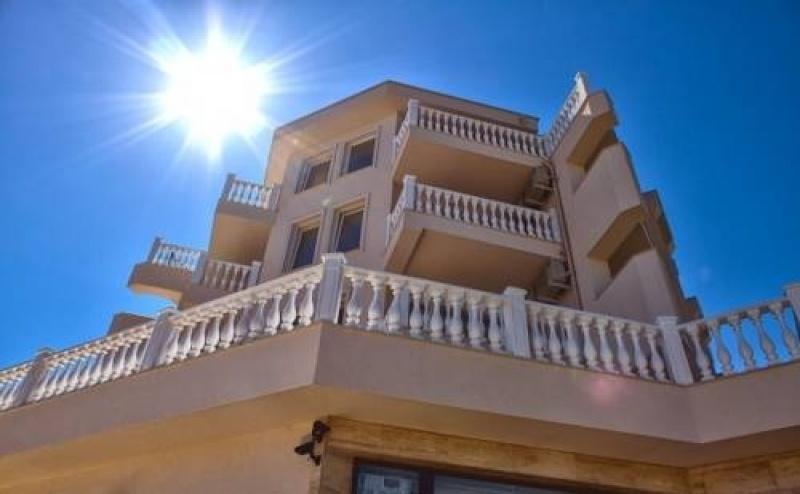 Почивка за Двама в Апартхотел Вила Ливия, Равда
