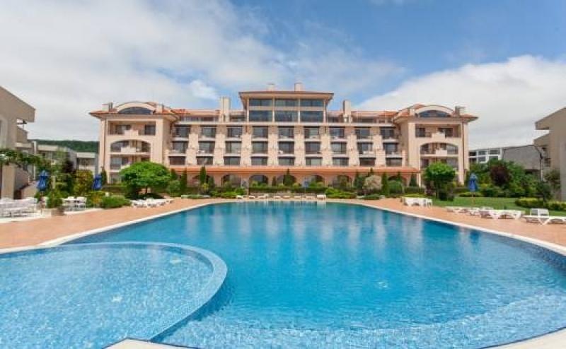 Почивка за Двама в Club Hotel Villa Romana, <em>Топола</em>