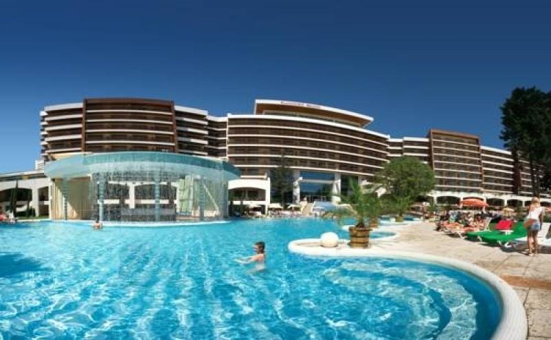 Почивка за Двама в Flamingo Grand Hotel & Spa, <em>Албена</em>