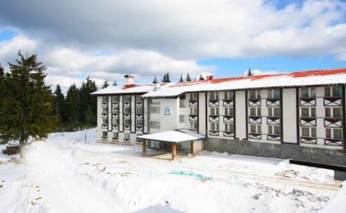 На Ски в Пампорово! Нощувка на човек със Закуска и Вечеря + Парна Баня от Хотел Панорама