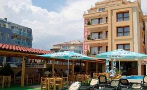 Лято 2019 в Красивия Морски Курорт <em>Несебър</em>, Наем на Апартамент със Закуска до 07.07 от Елизабет Бийч Хотел