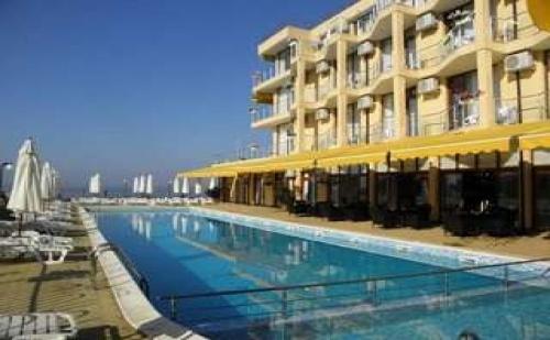 Семейна Ваканция в Равда, All Inclusive Оферта за Двама до 07.07 в Хотел Делфин