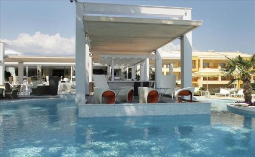 Ранни Записвания Гърция, 5 Дни за Двама Полупансион в Litohoro Olympus Resort Villas  & Spa