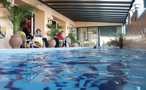 Ранни Записвания Гърция, 3 Дни за Двама Полупансион в Platon Beach Hotel