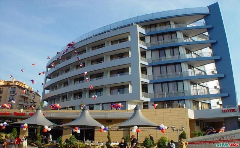 На Море през Лято 2019 в Несебър, Нощувка със Закуска до 04.07 в Хотел Мариета Палас
