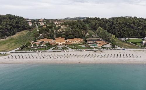 Ранни Записвания Гърция, 3 Дни Полупансион за Двама от 24.05 в Possidi Holidays Resort Hotel