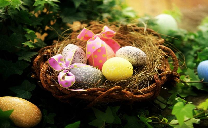 Празнувайте Великден в Спа Хотел Бор - <em>Велинград</em> за 358 лв. за Двама, за Две Нощувки със Закуски, Вечери, Велинденски Обяд, Детска Анимация, Ползване на Минерален Басейн,  ...