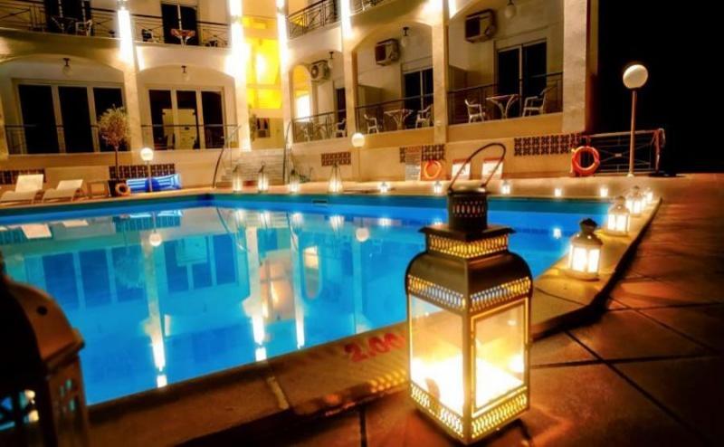 Специална Оферта за Юни в Хотел Stavros Beach - Халкидики за Една Нощувка на човек със Закуска, на 100 Метра от Пясъчния Плаж на <em>Касандра</em> / 09.06.2019 - 20.06.2019