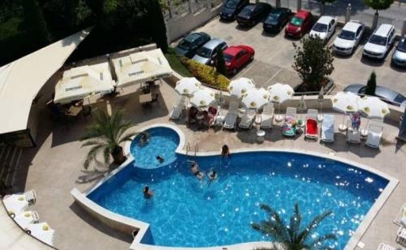 Почивка за Двама в Royal Cove ApartHotel - Summer All Inclusive, Каварна