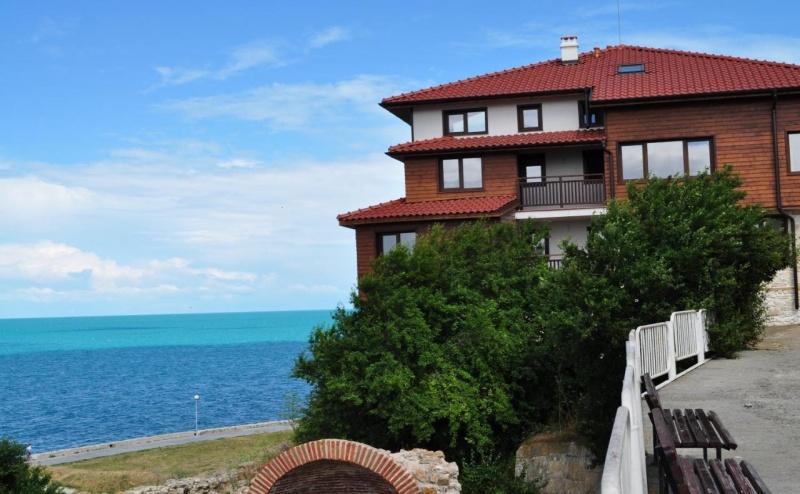 Почивка за Двама в Villa Elea, <em>Несебър</em>