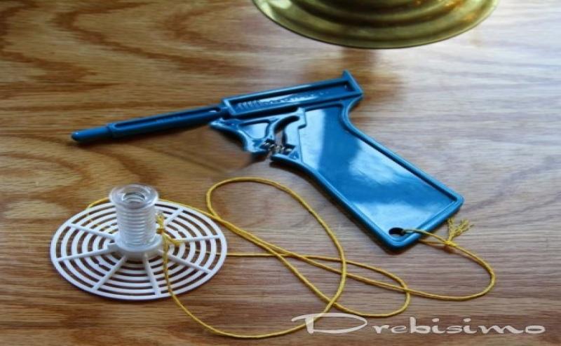 Пистолет за Мухи